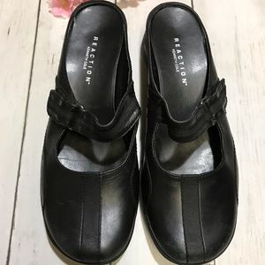 Women's Kenneth Cole reaction Mary Jane slide ons